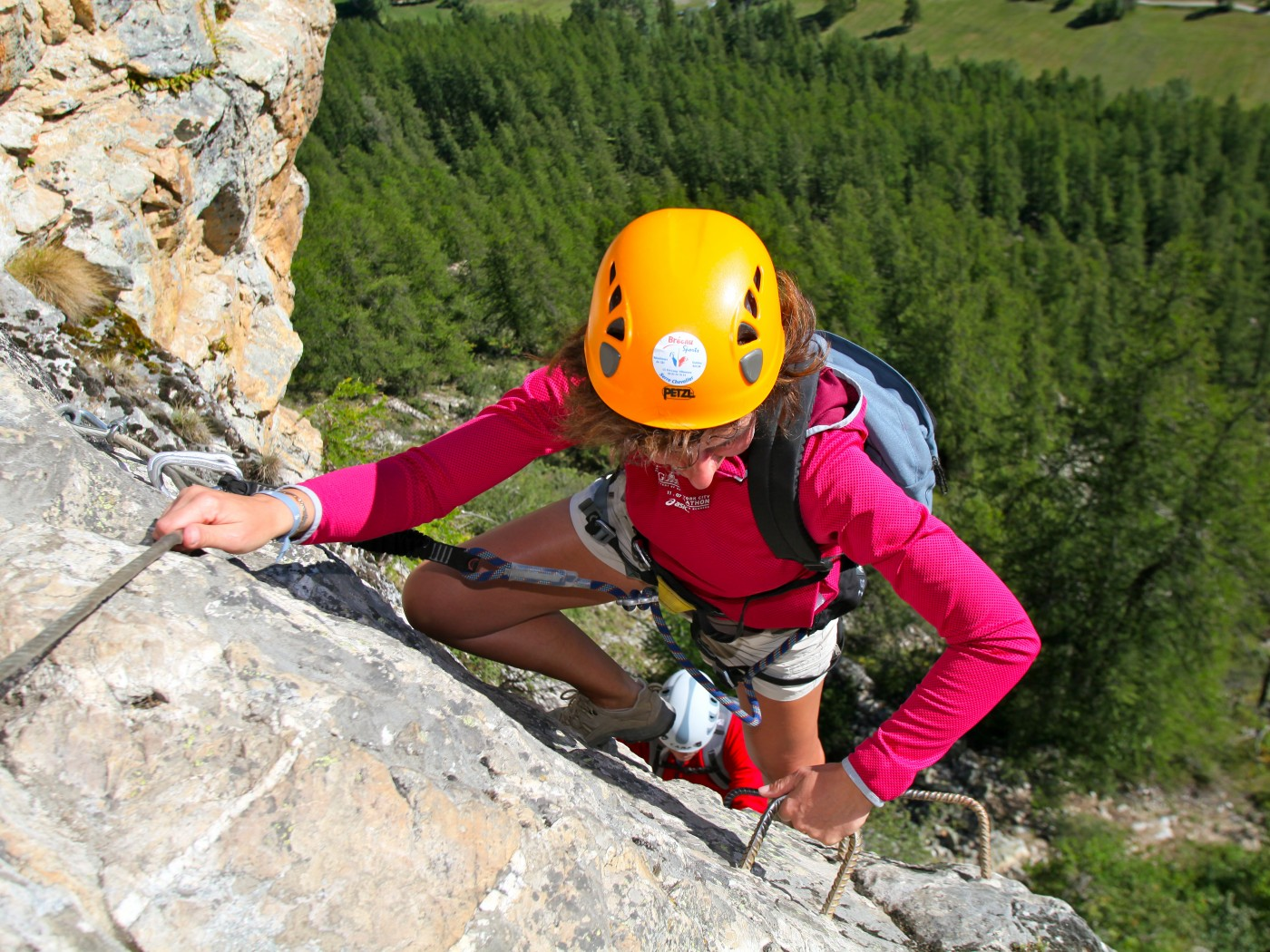Via ferrata du Bez, vallée de Serre Chevalier. Via ferrata avce les guides de haute montagne de Serre Chevalier, Briançonnais.