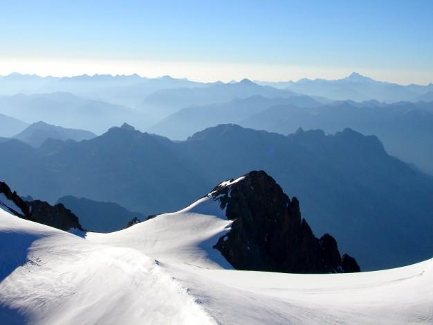 Glacier du Pelvoux et Petit Pelvoux (3753 m). Traversée du Pelvoux : Alpinisme dans le massif des Ecrins, Briançonnais, Hautes Alpes.