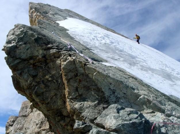 Traversée de la Meije : sur les arêtes, la Dent Blanche. Alpinisme dans le massif des Ecrins, Oisans.