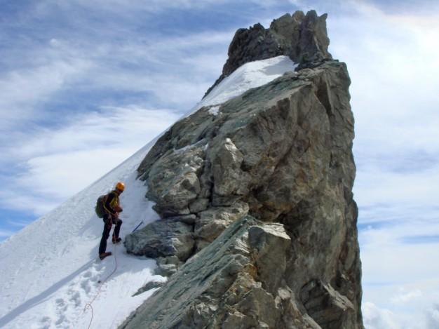 Traversée des arête de la Meije, sous le Doigt de Dieu. Alpinisme dans le massif des Ecrins, Oisans.