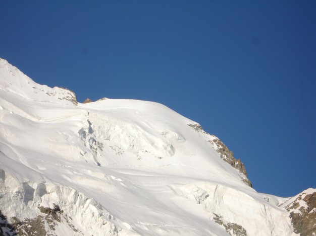 Dôme de Neige des Ecrins (4015 m) et Glacier Blanc. Alpinisme avec les guides de haute montagne de Serre Chevalier. Massif des Ecrins, Briançonnais, Hautes Alpes.