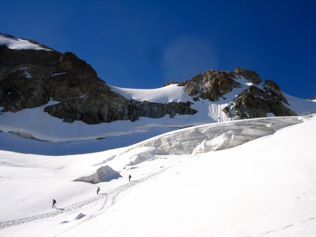 Sur le Glacier de la Girose. Alpinisme dans le massif des Ecrins, Oisans, Hautes Alpes.