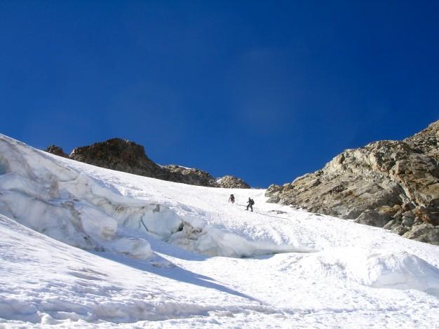 Montée au Pic de la Grave (3667 m). Alpinisme dans le massif des Ecrins, Oisans, Hautes Alpes.