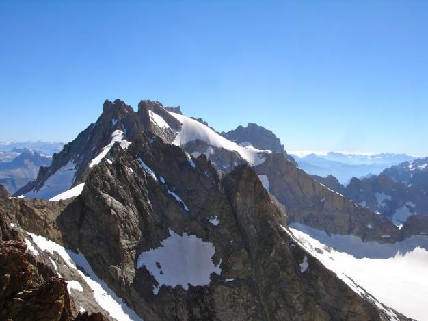 Le Râteau vu du Pic de la Grave. Alpinisme dans le massif des Ecrins, Oisans, Hautes Alpes.