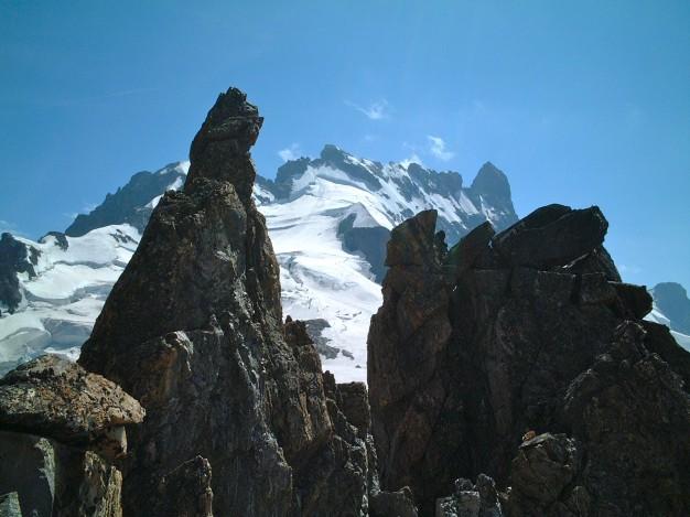Les arêtes de la Meije, depuis le bec de l'Homme. Alpinisme dans le massif des Ecrins, Oisans.