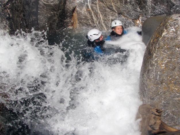 Vasque dans le canyon du Fournel. Canyoning, Serre Chevalier, Briançonnais.