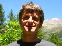 Luc Lebreton, accompagnateur en montagne au Bureau des Guides de Serre Chevalier, qualifié VTT.