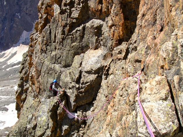 Escalade à la Tour Choisy. Alpinisme dans le massif des Ecrins avec les guides de Serre Chevalier.