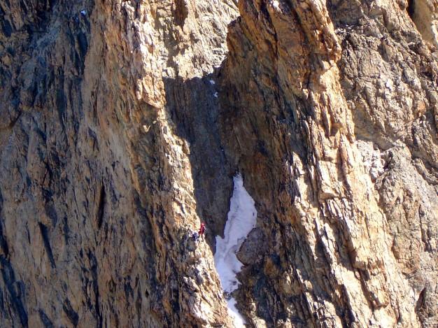 Escalade sur l'arête sud de la Grande Ruine. Alpinisme dans le massif des Ecrins avec les guides de Serre Chevalier.