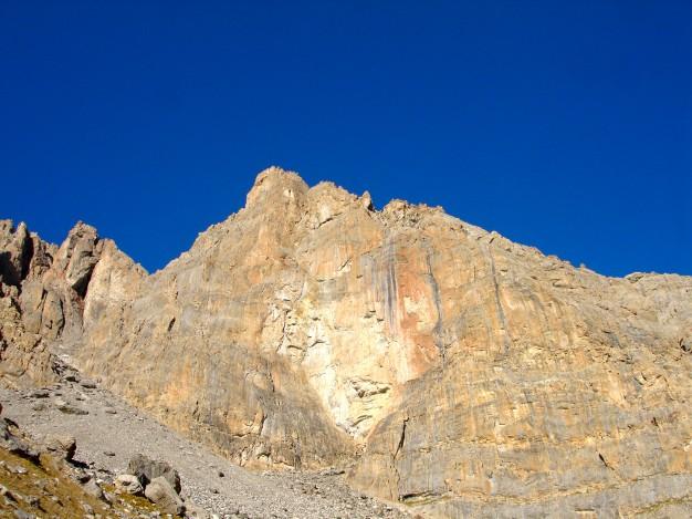 La Tour Termier (3070 m), Grand Galibier. Escalade dans le massif des Cerces avec les Guides de Serre Chevalier.