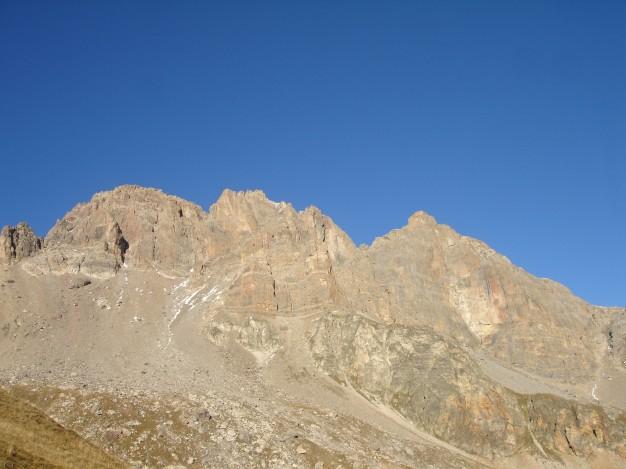 Le Grand Galibier (3228 m), versant sud-ouest, Briançonnais. Randonnée avec les Accompagnateurs de Serre Chevalier.