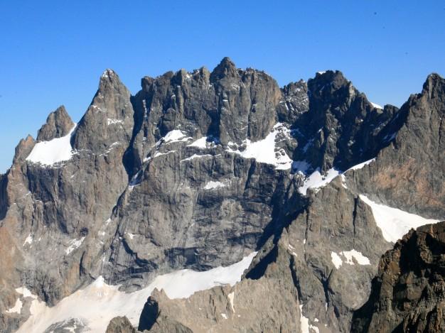 Face sud de la Meije, depuis le sommet de la Tour Choisy. Alpinisme avec les guides de Serre Chevalier, Massif des Ecrins, Oisans.