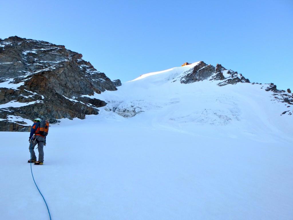 A l'approche de la pente de neige du col de Montandayné