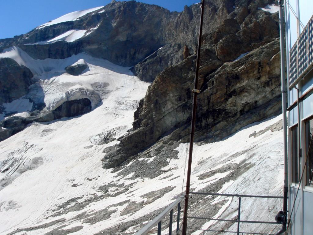 Le versant SE du Râteau Est, vu du refuge du Promontoire.