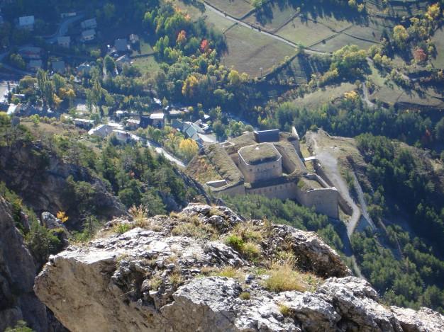 Le Fort des Salettes, vu depuis la via ferrata de Croix de Toulouse, Briançon.
