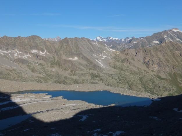 Petit lac glaciaire aux environs du refuge Victor Emmanuele (2735m)