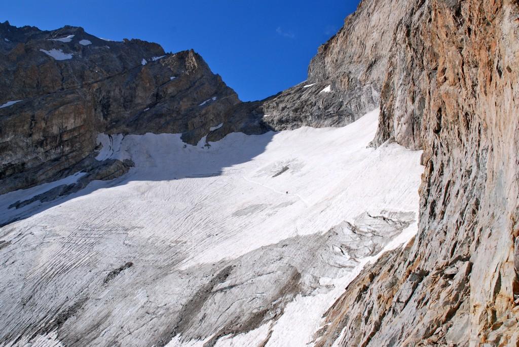 La Brèche de la Meije (3357 m), versant sud.