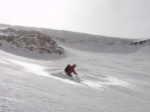 Sur le Dôme du Monêtier en ski de randonnée avec les guides de Serre Chevalier.