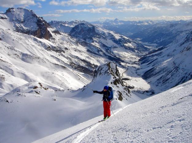 Ski de randonnée au sommet Henri Desgranges avec les guides de Serre Chevalier.