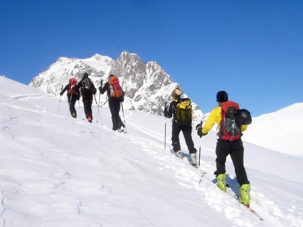 Ski de randonnée à la Blanche avec les guides de Serre Chevalier.