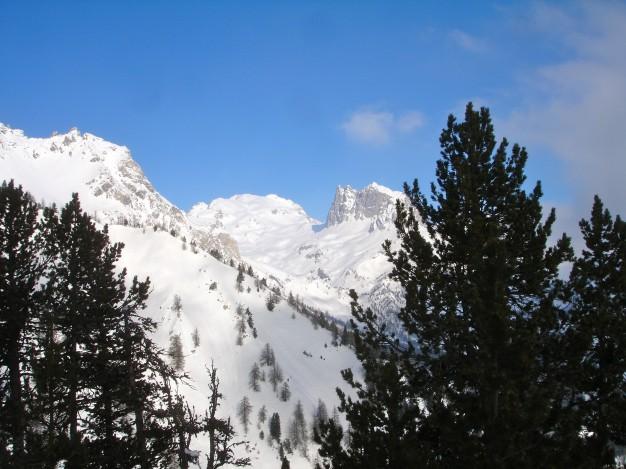Mont Thabor et Grand Séru, depuis la Vallée Étroite.Ski de randonnée avec les Guides de Serre Chevalier.