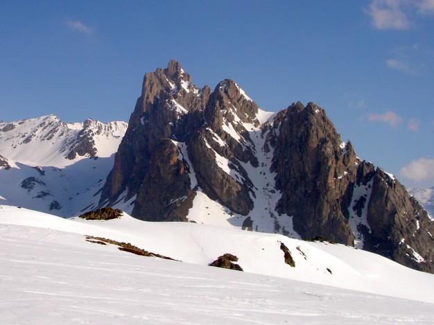 Le Queyrellin, depuis le vallon du Chardonnet en ski de randonnée.
