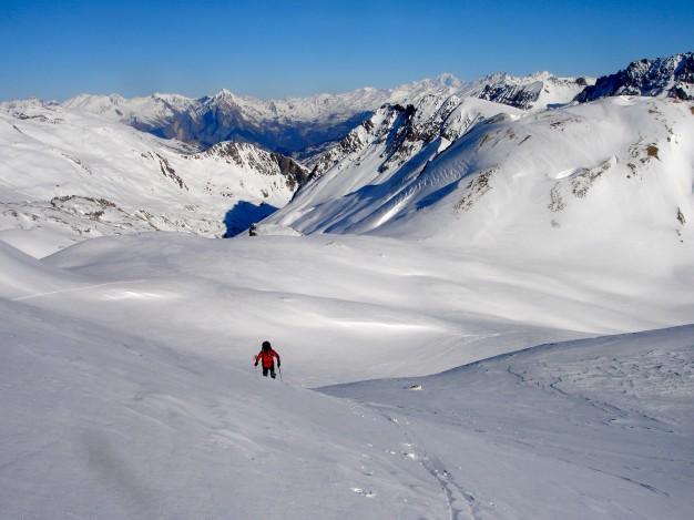 Ski de randonnée dans la vallée de la Guisane, massif du Galibier, avec les guides de Serre Chevalier.