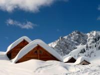 Chalets de Buffère. Randonnée à ski dans le massif des Cerces avec les guides de Serre Chevalier.