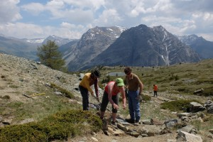 Réparation du sentier du Mont Chenaillet à la cabane des douaniers.