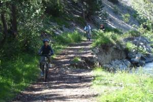 Descente VTT de la vallée de La Clarée à l'entrée du chemin du Plan.