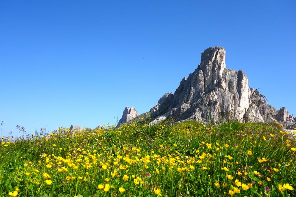 Le Monte Gusèla (2595 m), dans le massif du Nuvolau, Dolomite. Vue depuis le Passo Giau.