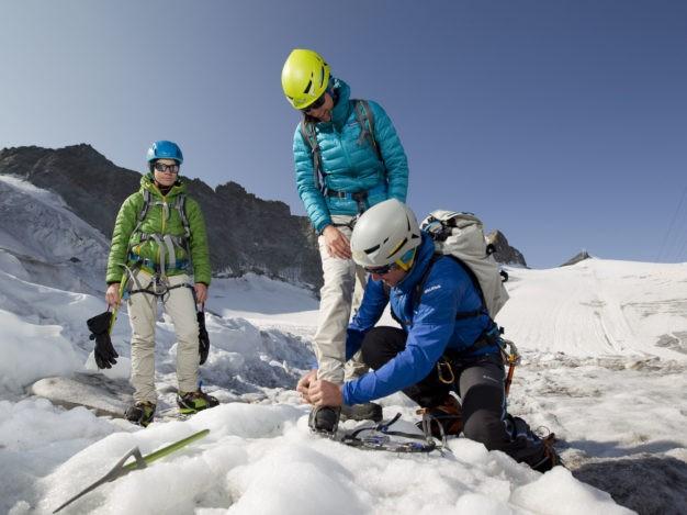 Randonnée glaciaire sur le glacier de la Girose avec le Bureau des Guides de Serre Chevalier. Massif des Écrins.