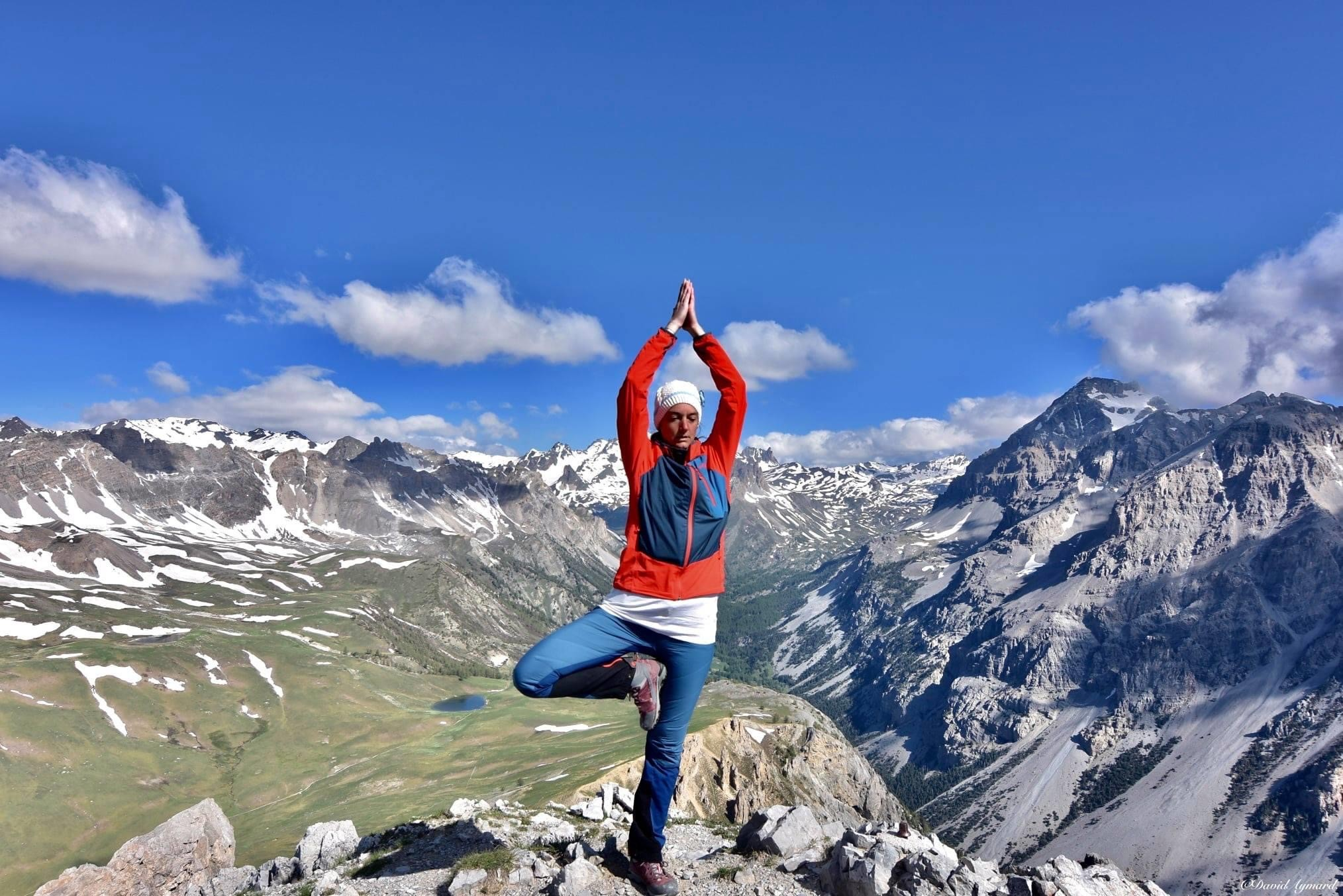 Posture Yoga sommet Aiguille Rouge